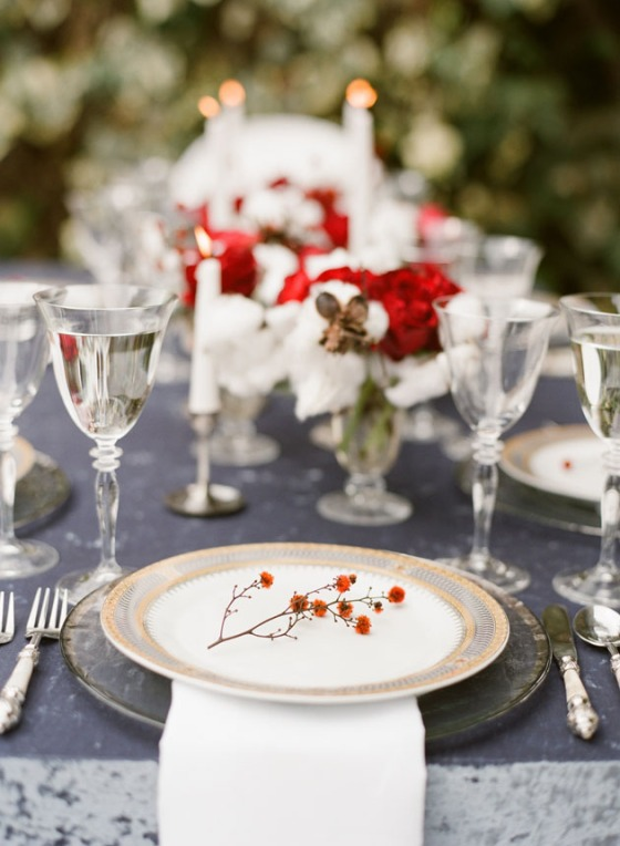 elegant-holiday-table