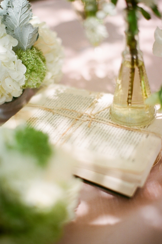book_centerpiece_wedding