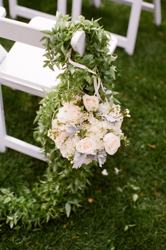 ceremony_aisle_flowers