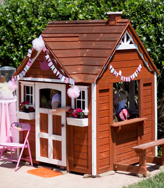 decorated_playhouse